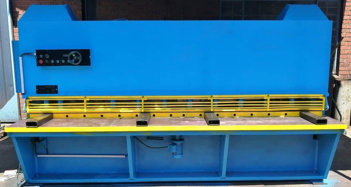SELECTRA HYDRAULIC GUILLOTINE